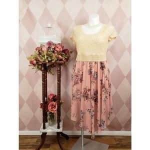 🆕️ Rue 21 | Pink Chiffon Floral Lace Dress